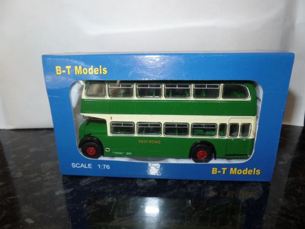 B T Models B105A 1/76 OO Scale Bristol Lodekka LD Bus Closed Back West Riding Hemsworth